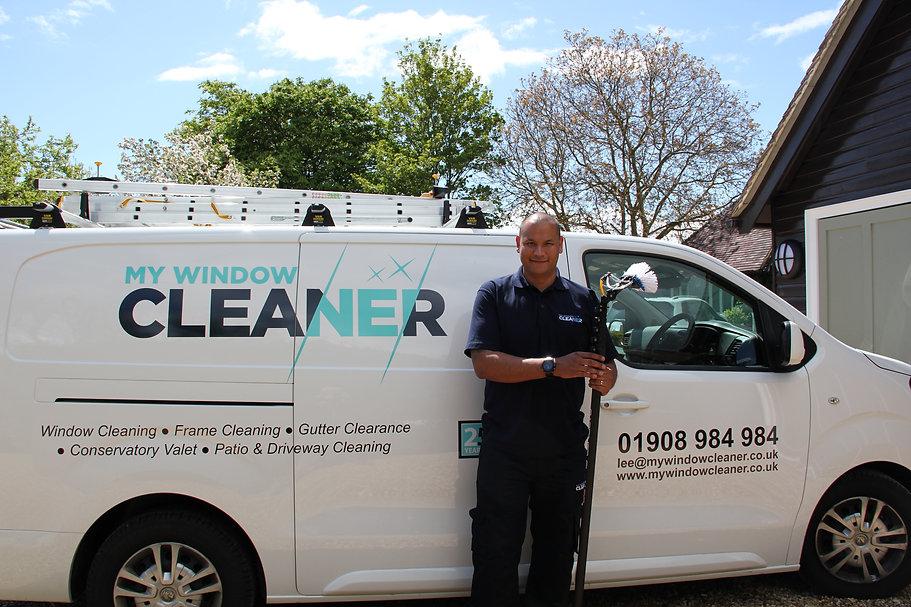 Window cleaner Milton Keynes East.JPG
