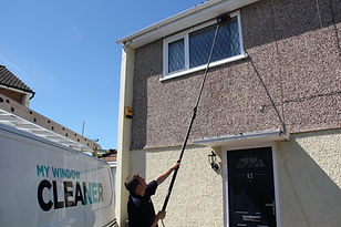 Window cleaner Swindon.JPG