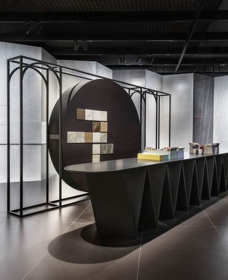 Split in two. Kale@Cersaie 2018 Bologna by Paolo Cesaretti