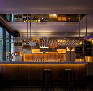 Sheng Yong Xing Roast Duck Restaurant in Sanlitun by TanzoSpace Design Office