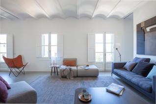 Ciutat Vella Apartment by YLAB Arquitectos, Barcelona