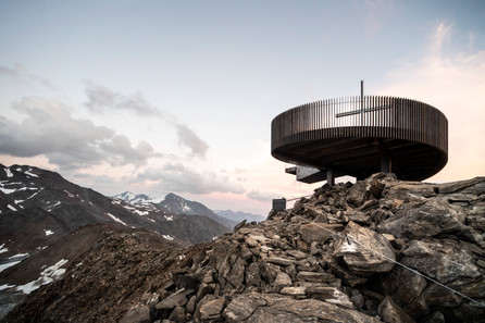 Ötzi Peak 3251m: Reaching the peak by noa* network of architecture