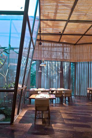 Yaoyue Restaurant by Xiamen Fancy Design & Decoration Co., Ltd