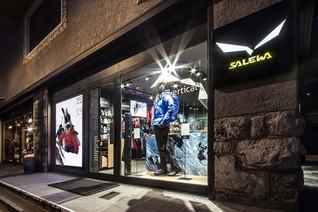 Salewa Cortina d'Ampezzo by plajer & franz studio, Italy