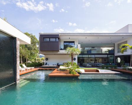 HOUSE IN A BRAZILIAN BEACH SIGNED BY RAIZ ARQUITETURA