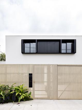 Jacupiranga House by CR2 Arquitetura