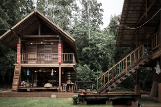 Creative Crews uses vernacular building techniques to build AHSA FARMSTAY in thailand