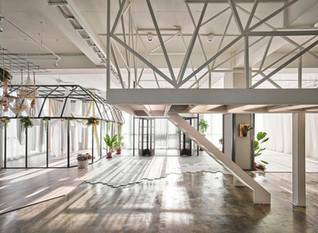 "Han Yue Interior Design designed Mu-Mu Photography Studio with concept of ""metabolism"""
