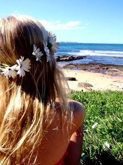 110864-Indie-Beach-Girl