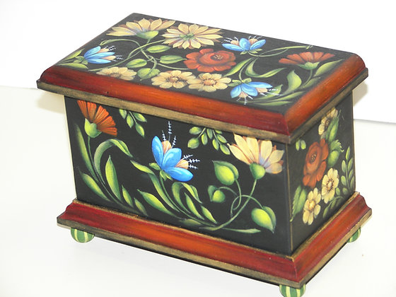 Small Box with Flowers 260