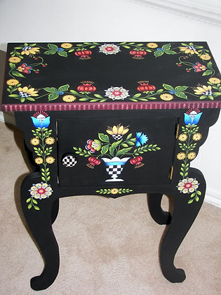 Fantasy Flower Table 226
