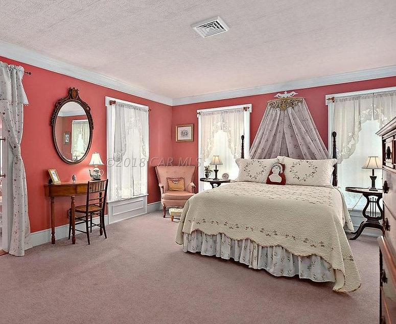 Bedroom i.jpg