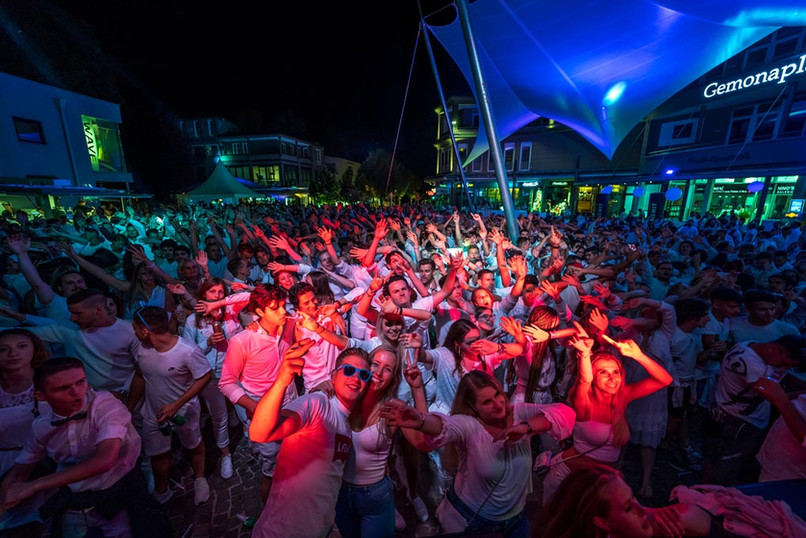 Party Gemonaplatz velden White Nights Fete Blanche.jpg