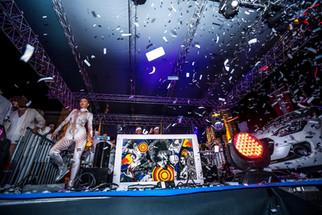 Konfetti Party Dancers Gemonaplatz.jpg