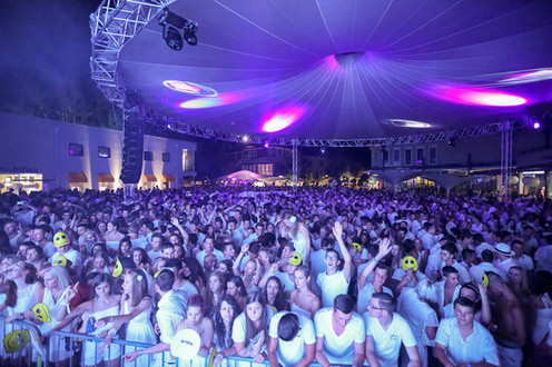 Mike Candys Gemonaplatz Velden White Nights