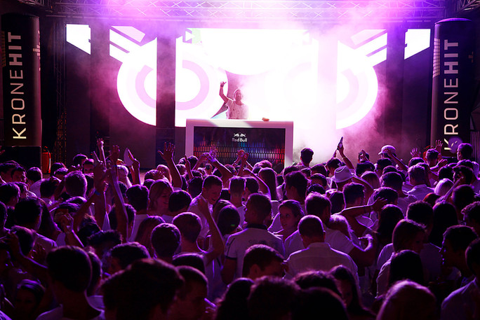 Gemon Stage Velden White Nights | Fete Blanche