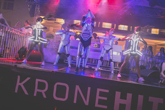 Showdancers Fete Blanche Velden White Nights