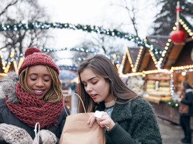 HOW SHOPPABLE VIDEO IS TRANSFORMING CHRISTMAS SHOPPING THIS YEAR.