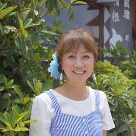 生粋の箱根っ子、チャキチャキ魚屋看板女将  石井寿美子(いしい すみこ)さん   食事処「大正」女将