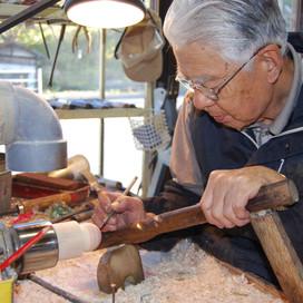 挽物細工一筋。繊細な技を伝承する田中一幸(たなか かずゆき)さん 木地師