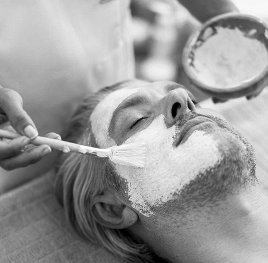 Limpieza Facial / Facial Cleansing