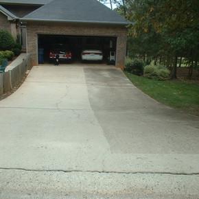pressure_wash_driveway.jpg