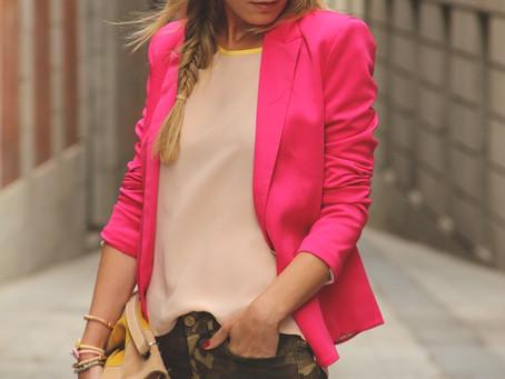 Como combinar un blazer fucsia | 9 maneras diferentes de usarlo