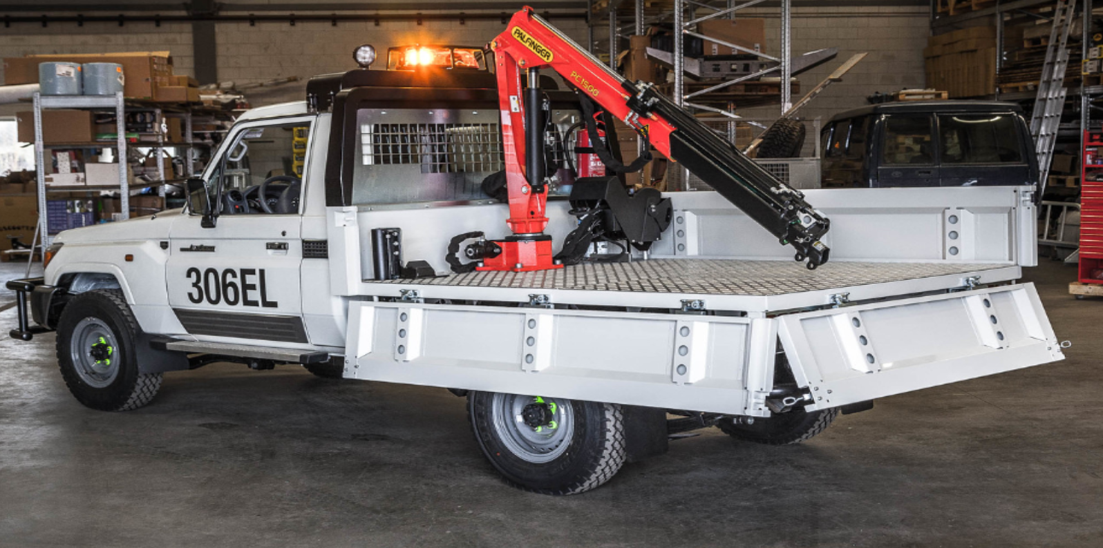 Heavy duty dropside pickup