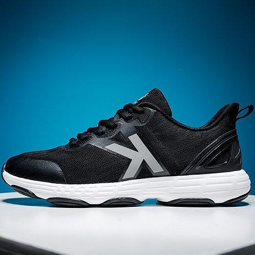 נעלי ספורט/ריצה שחורות