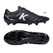נעל פקקים שחורה