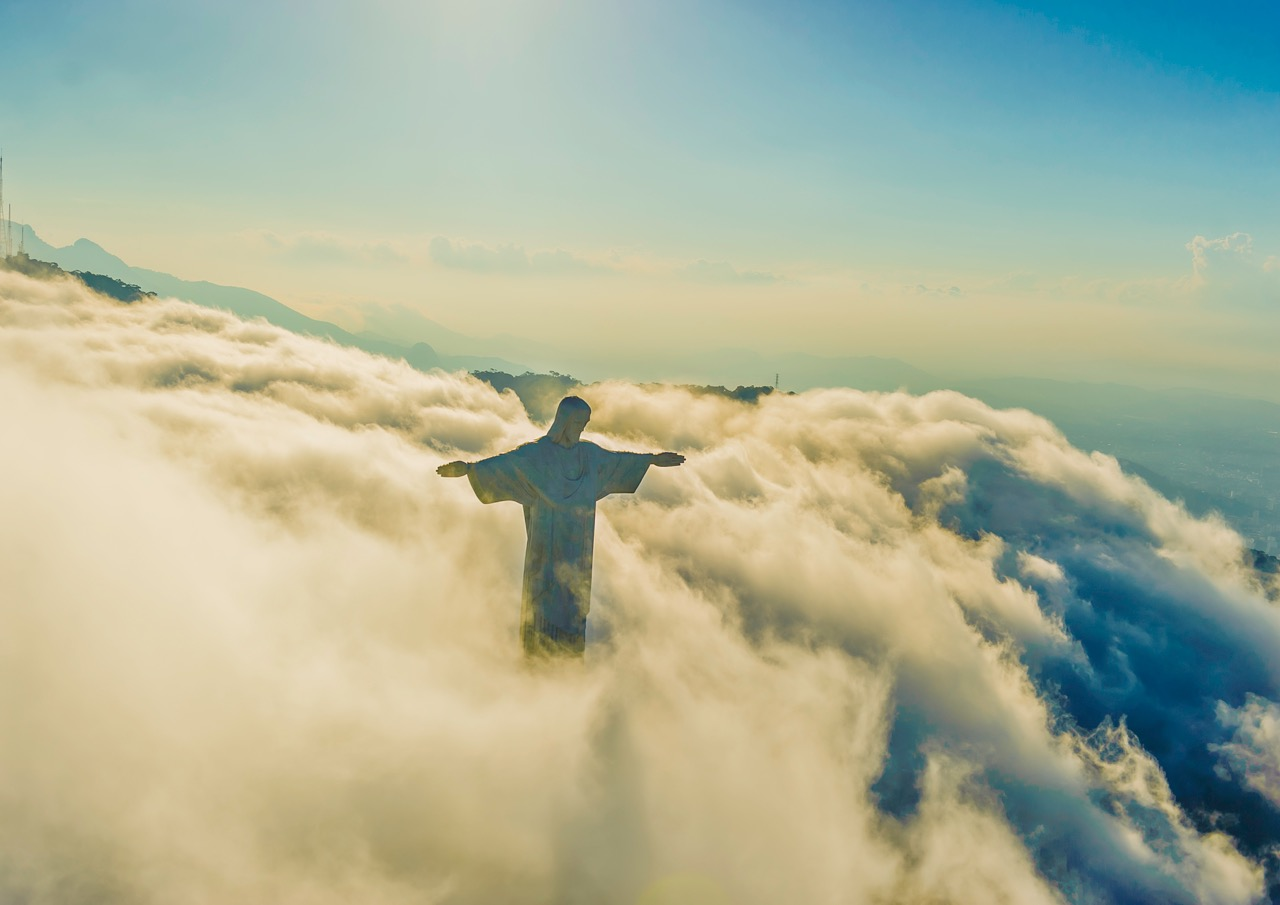 Cristo_Redentor_Clouds54x76