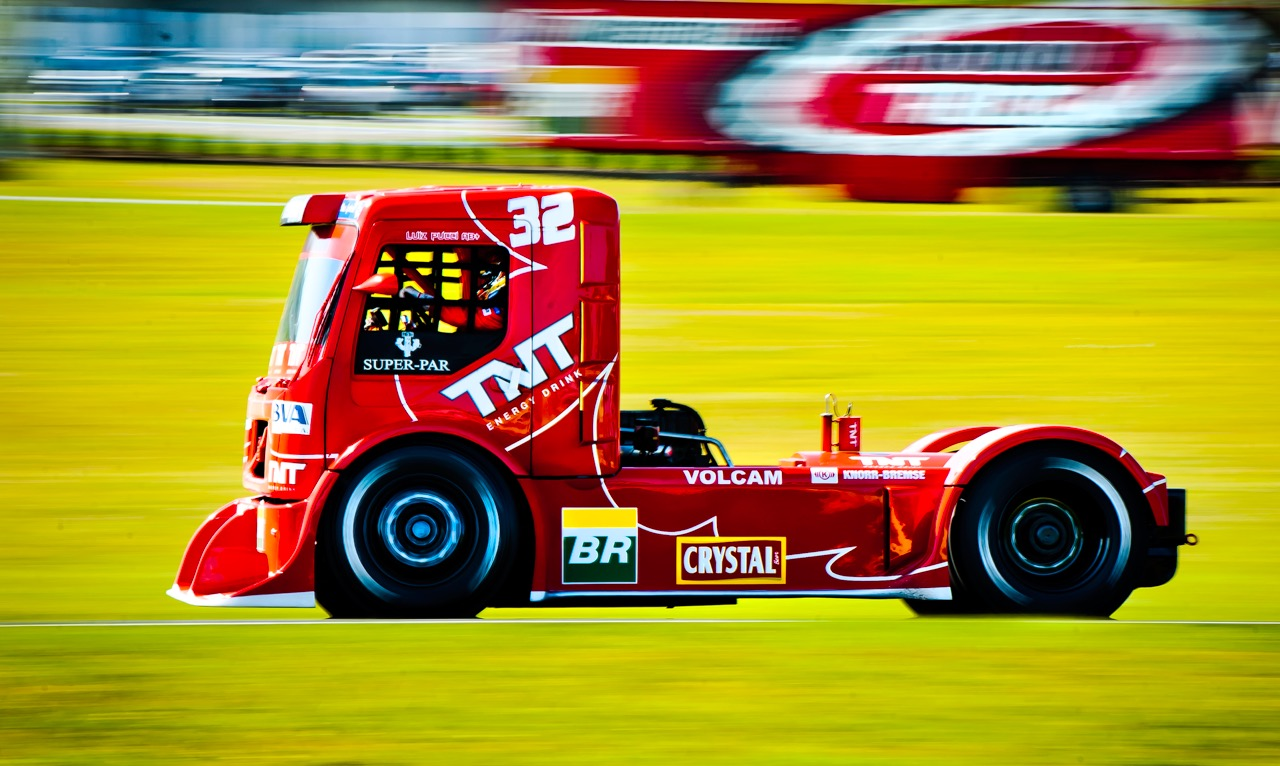 Red_Truck_Racing55x91