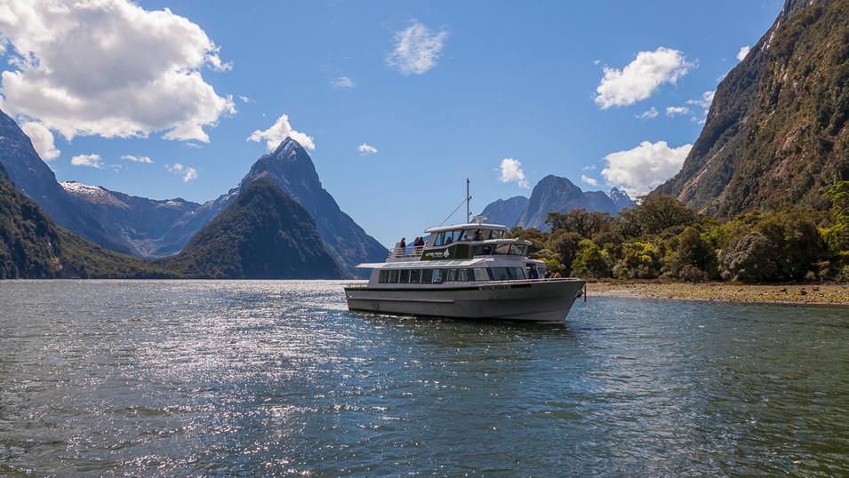 Mitre Peak Cruises
