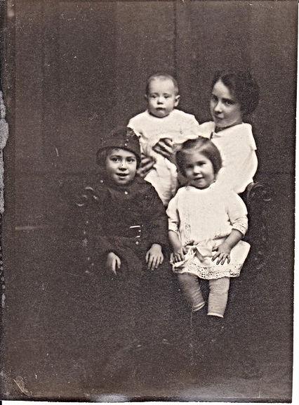Crosby family, 1916/1917