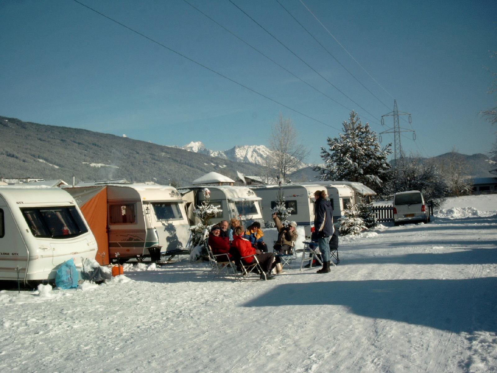 Wohnwagen im Winter