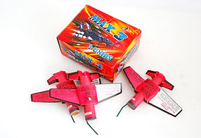 Max 3 efectos volantes pirotecnia, málaga, pirojose