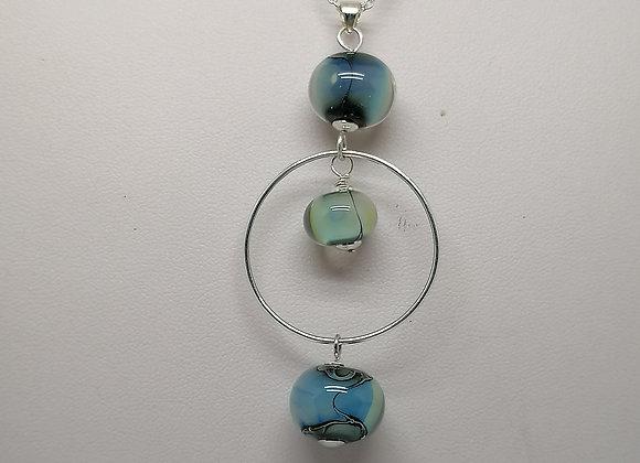 collier 3 perles bleutées