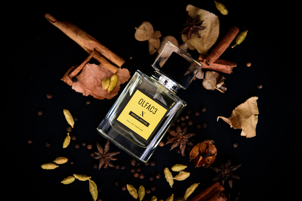 """A unisex, fougere composition of wood andpheromone that can be worn on its own or as the first layer to your favorite signature perfume to enhance your X factor, or """"je na'i se quoi""""."""