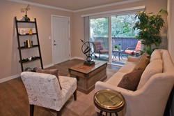 Livingroom & Deck