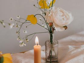 English Garden Wedding Inspiration. A tiny flower shop shoot with heaps of inspo + colour schemes