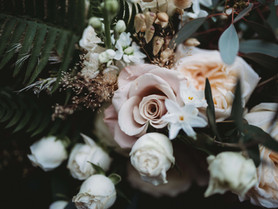 A city centre styled shoot: Green bohemian vibes. As featured on Festival Brides.