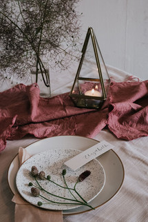 burgundy and maroon wedding table scape