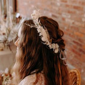 The most delicious eco-friendly wedding set up you've ever seen... #driedweddingflowersinspo