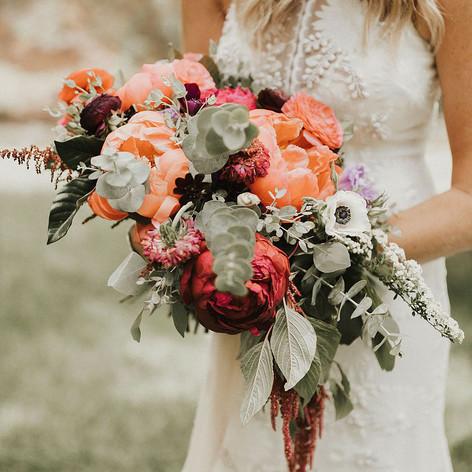 Living-Coral-Wedding-Inspiration-Ideas-1