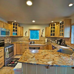 Trail Lake View | Kitchen