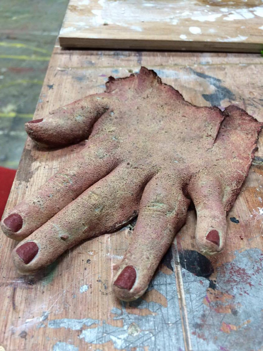 FAKE SKINNED HAND PROP