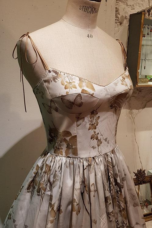 Robe a fleurs couleurs beige-caramel