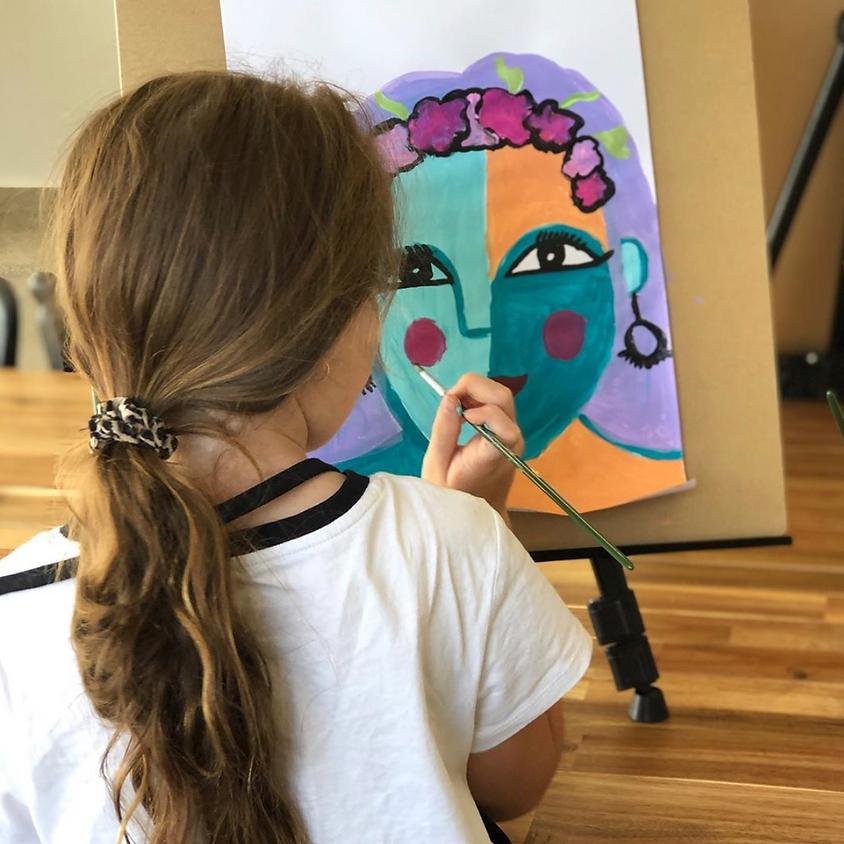 Kids Paint a Canvas