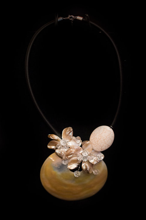 Mother of Pearl Cream Shell Necklace