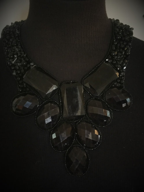 Black Pearl w/Round Stone Button Back Bib